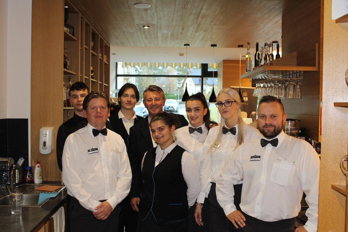 A vďaka aj celému tímu hotela za kvalitný servis a starostlivosť počas celého večera. ĎAKUJEME! :)